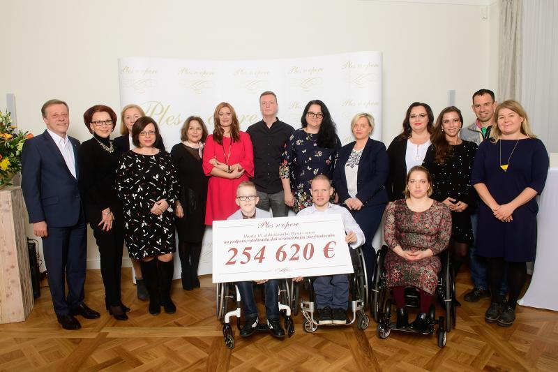 dcb4ba3fe2db Top momenty 18. ročníka Plesu v opere - LenPreZdravie.sk
